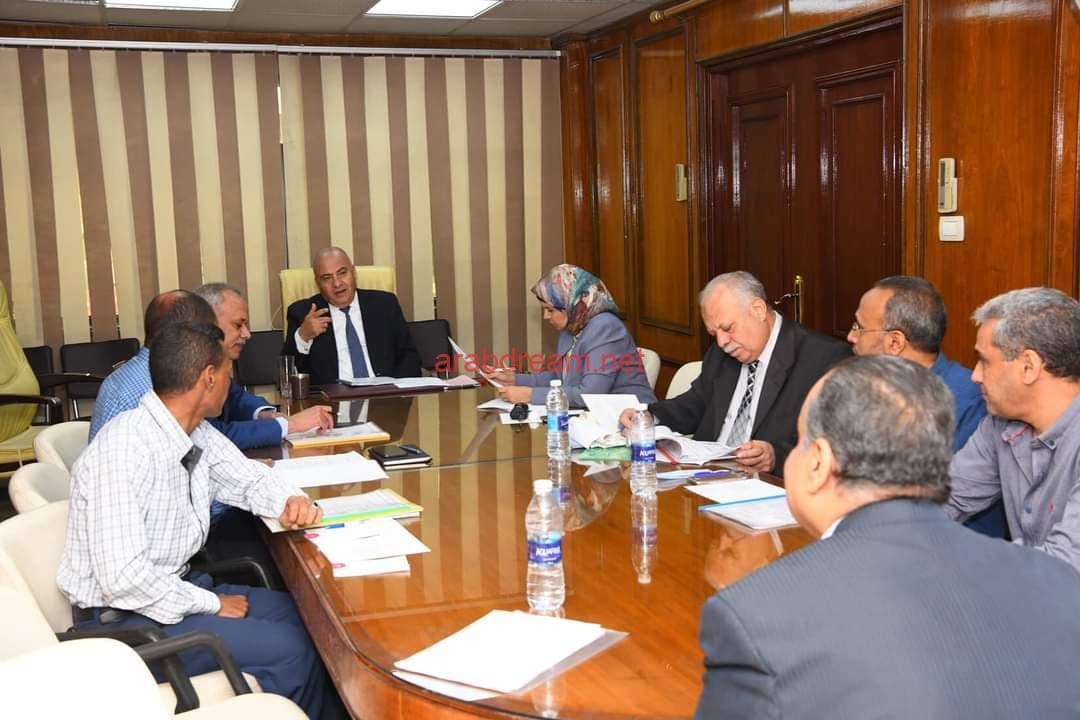 محافظ قنا يترأس اللجنة الدائمة لأختيار المتقدمين للوظائف القيادية بديوان المحافظة.