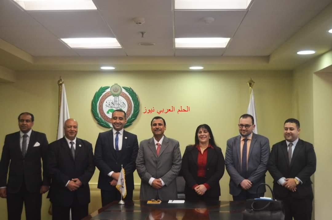 رئيس البرلمان العربي يلتقي رئيس جمعية الوحدة العربية.