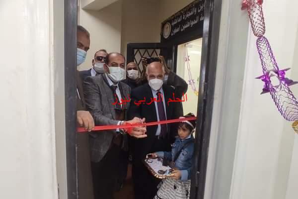 وكيل وزارة التموين بالأقصر يفتتح مركز الخدمات التموينية بقرية أصفون في إسنا