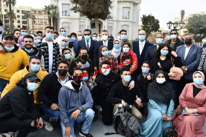 وزير التعليم العالي ورئيس جامعة عين شمس في جولة تفقدية للإطمئنان على إنتظام أول أيام الأمتحانات