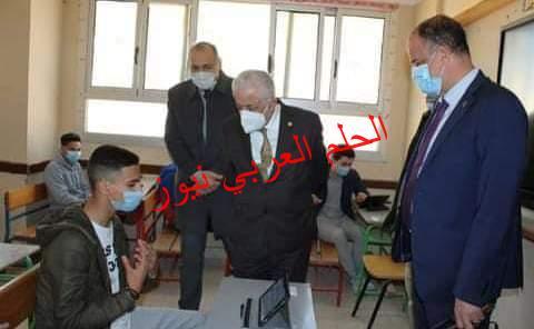 وزير التربية والتعليم يتابع سير امتحان اللغة العربية للصف الثاني الثانوي