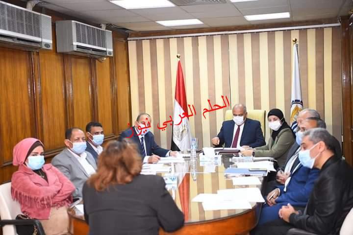 محافظ قنا يترأس لجنة إختيار مدير الادارة التعليمية بقنا
