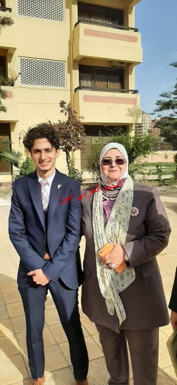مدير تعليم كفر الشيخ تهنىء أمين إتحاد طلاب الجمهورية