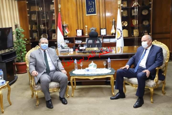 """""""محافظ قنا يستقبل وزير القوى العاملة في بداية جولته بالمحافظة"""""""
