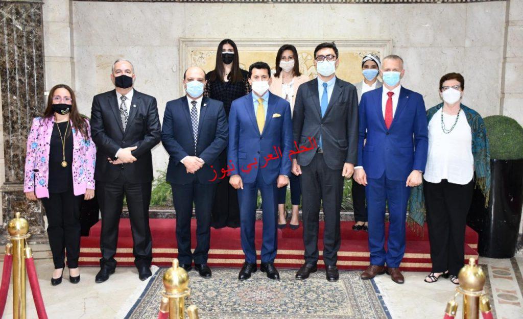 صبحي يلتقي وفد الاتحاد الدولي للجمباز بقلم ليلي حسين