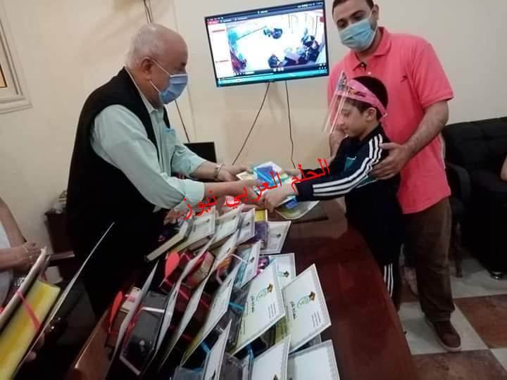 تكريم حفظة القرآن الكريم بمدرسة الغد الخاصة بالمتنزة بالأسكندرية