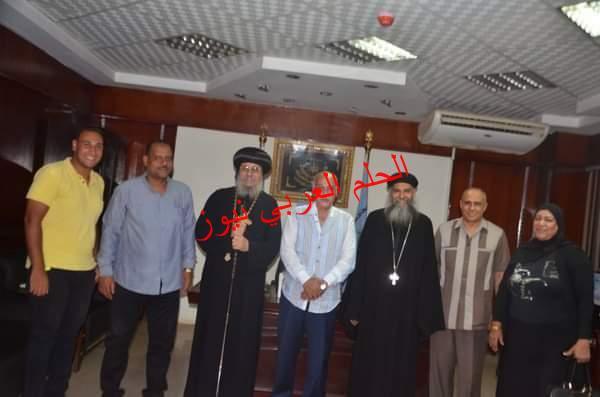 رئيس مدينة إسنا يستقبل وفداً من الكنيسة برئاسة الأنبا يواقيم للتهنئة بعيد الأضحى