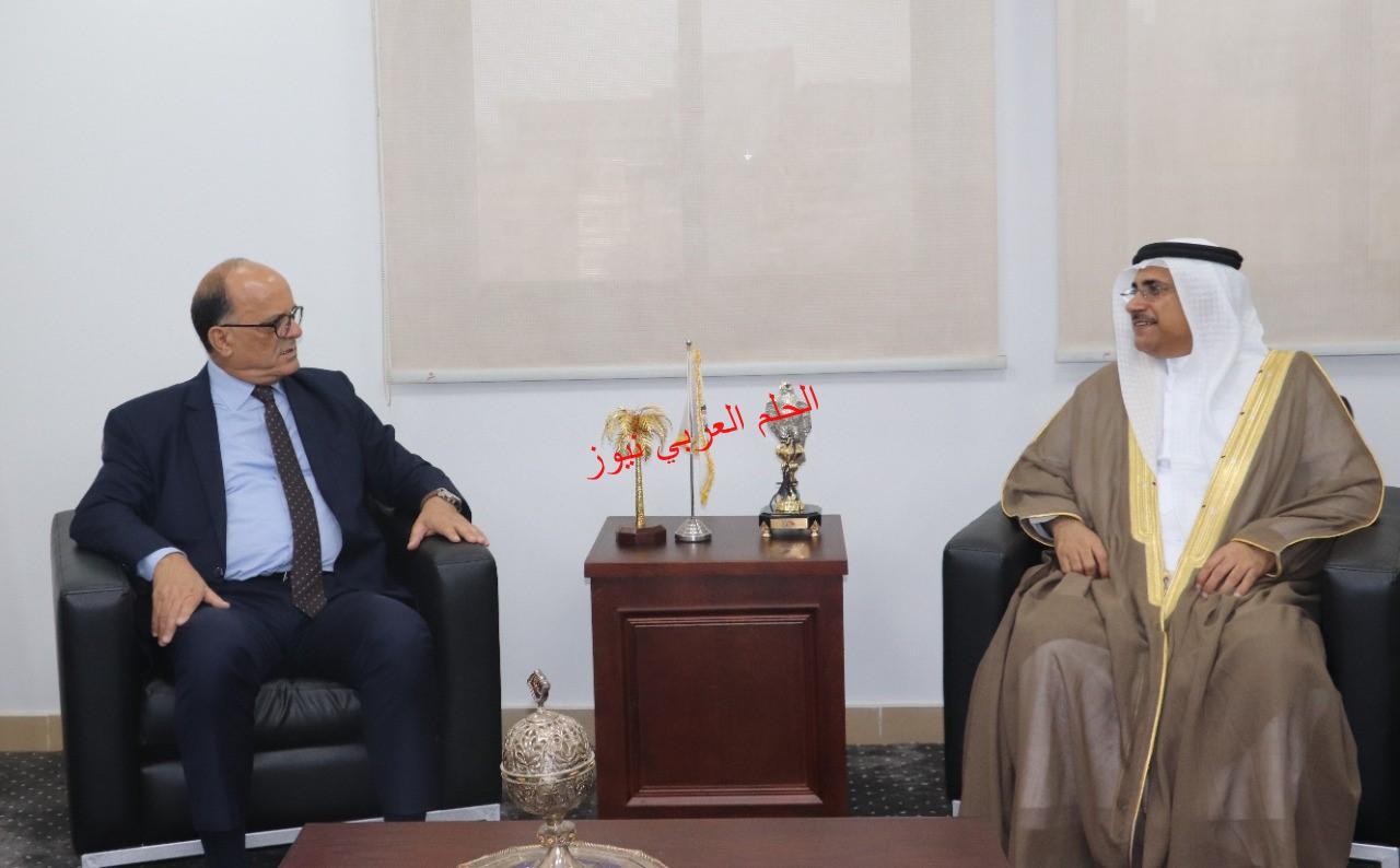 بالقاهرة رئيس البرلمان العربي يستقبل سفير تونس  بقلم ليلي حسين