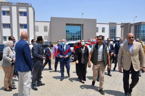 وزيرة التجارة والصناعة تتفقد مجمع الصناعات الصغيرة والمتوسطة بمنطقة البغدادي الصناعية بالأقصر
