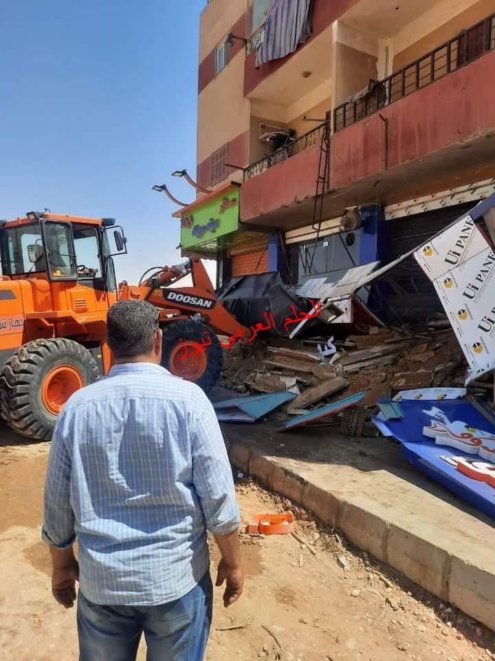 حملة مكبرة لإزالة الإشغالات والتعديات بمدينة بدر والتحفظ علي ٨ مركبات توك توك