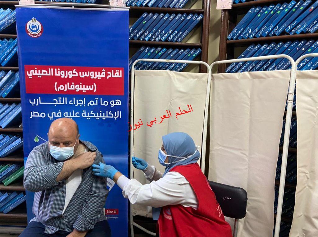 في مصر اللاجئون وطالبو اللجوء يحصلون على اللقاح بقلم ليلي حسين