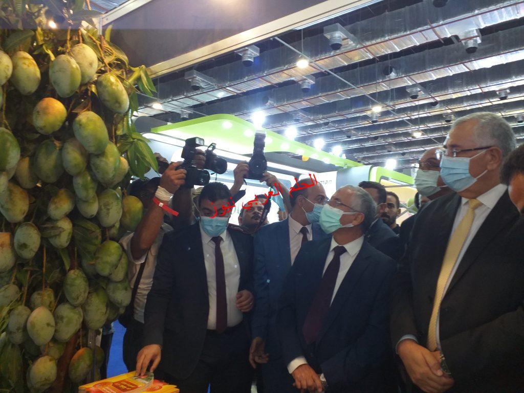 اليوم افتتح وزير الزراعة معرض صحاري ٢٠٢١ بقلم ليلي حسين
